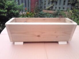 NEW WOODEN FLOWER PLANTERS,GARDEN TROUGH,V-SHAPE PLANTERS,MANY COLOURS/SIZES,QUALITY MADE.