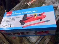 TWO TONNE TROLLEY JACK AS NEW IN BOX