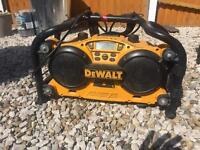 Dewalt site radio with one battery