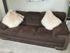 Like new 3 &2 seater sofas