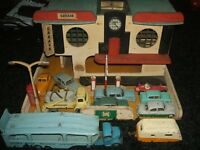 wanted 1950s/1960s dinky toys and corgi toys model trucks and cars