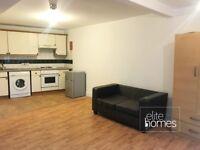 Large Ground Floor Studio Flat In Leyton, E10, 2 Minute Walk To Station, Communal Garden