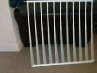 2x safety gates