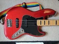 """Fender Squire """"Vintage Modified"""" Jazz Bass guitar. Candy apple red. Almost new."""