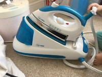 Excellent condition Quest steam iron