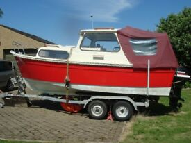 HARDY NAVIGATOR 18.Good condition great spec.Two engines twin axle trailer onshore cradle,read on.