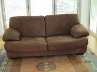 2 beautiful Italian leather sofas. Brown Nubuck