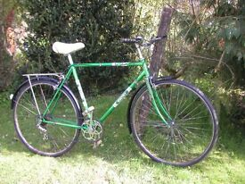 halfords escort vintage cycle,21 in frame,new tyres,runs well