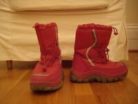 Girl's snow boots size 3 (approx 35.5 European)