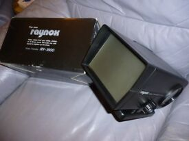 raynox video transfer rv1500, boxed as new , it make videos from slides , photos,8/16mm movie films.