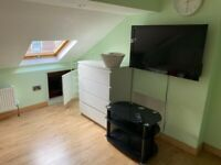 Ensuite Loft room for rent in Town centre