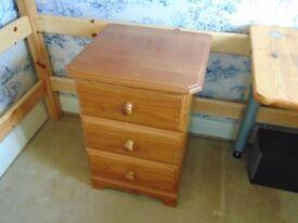 3 drawer bedside cabinet.