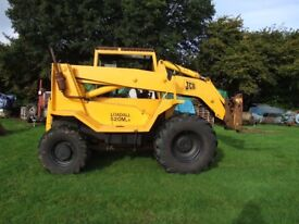JCB LOADALL - 520M - 4 FORKLIFT with very large BUCKET