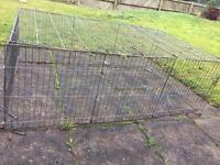 Large pet cage suitable for rabbits and guinea pigs