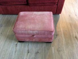 Reddish/pink pouffee with storage