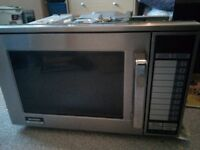Sharp commercial microwave oven R-24AT SPARES OR REPAIRS