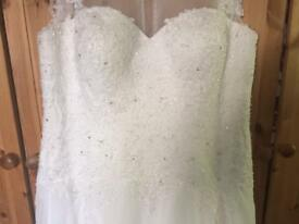Button back illusion neckline wedding dress size 16-20