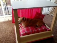 Luxury Four Poster dog or cat bed.