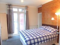 Spacious Double Room/Bills Included - Ashford Town Centre - TW15 2LR!