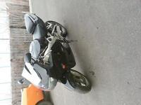 CBR900RR 1998 1500$ noir
