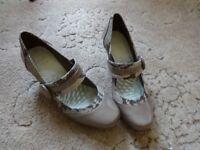 Ladies Clark's Mushroom colour shoes size 5. Never worn.