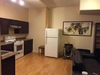 1 bedroom suite,700 Sq,6 year,ground,1 min to bus, really quiet