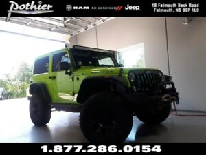 2013 Jeep Wrangler Rubicon | MANUAL | 2 TOPS | HEATED MIRRORS |