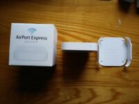 Apple AirPort Express Access Point (A1392) + Wall/TV Mount (Bundle)