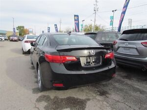 2013 Acura ILX Premium Package | LEATHER | ROOF | HEATED SEATS London Ontario image 4