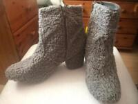 Primark fluffy grey boots, size 8