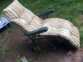 GARDEN LOUNGER / RECLINER WITH CUSHION ONLY £10 ! CAN DELIVER
