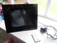 JESSOPS 10.4 INCH LCD PICTURE FRAME