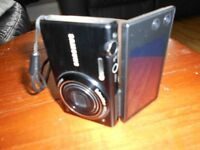 SAMSUNG MV800 TOUCH SCREEN DIGITAL CAMERA WITH FLIP OUT DISPLAY**PRICE REDUCED**
