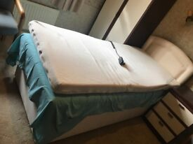 Single electric orthopaedic bed