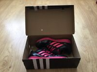 ** Ladies/Girls Adidas Trainers Size 5 With Box **