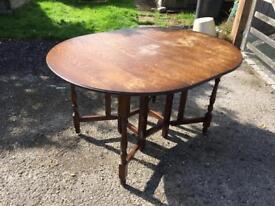 Hardwood foldable round table