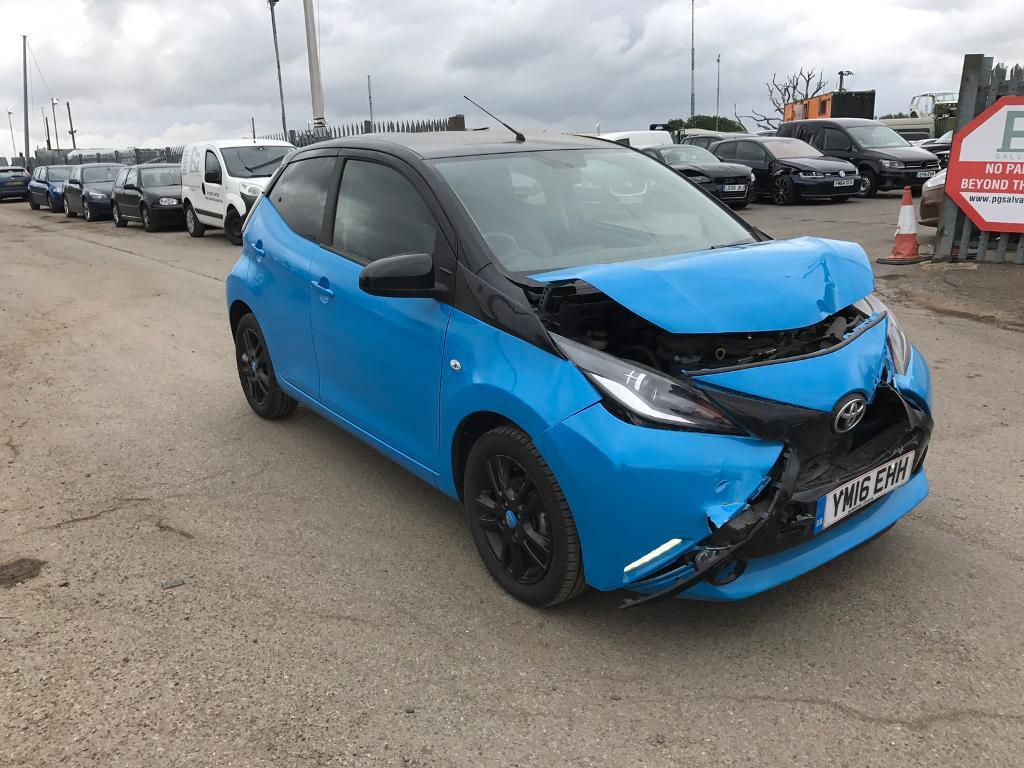 2016 toyota aygo x cite 1 0 vvti easy repair cat c in chelmsford essex gumtree. Black Bedroom Furniture Sets. Home Design Ideas