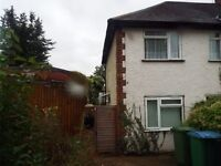 Watford large 1/2 bed appartment with extra room space