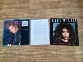 Supremes mary wilson signed 12 inch vinyl