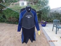 Rip Curl Wet suit extra large , as new never worn brought in Australia a few years ago