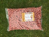 5kg bag of strawberries & cream Boilies 18mm