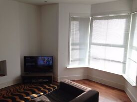 Double bedroom available 5 minutes walk to Turnpike Lane Underground Station