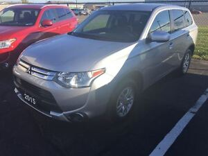 2015 Mitsubishi Outlander ES  4x4, Heated Seats