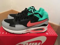 Ladies NIKE AIR MAX 5.5