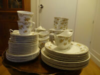 Spode dinner service and tea set