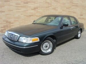 1998 Ford Crown Victoria LX. WOW!! Only 128000 km!! Certified!