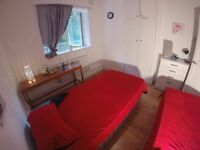 GREAT TWIN ROOM IN OLD STREET
