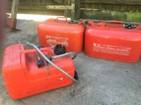 Outboard engine fuel tanks