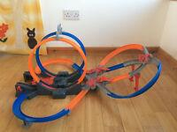 Hot Wheels Mega Loop Mayhem Trackset