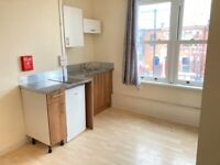 Converted 1st Floor Studio Bed Room Open Kitchen Separate Shower WC Includes Water NearTubeBusShops
